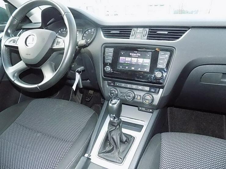Bild 6: SKODA Octavia Limousine 1,6 TDI Ambition Navi Tempomat