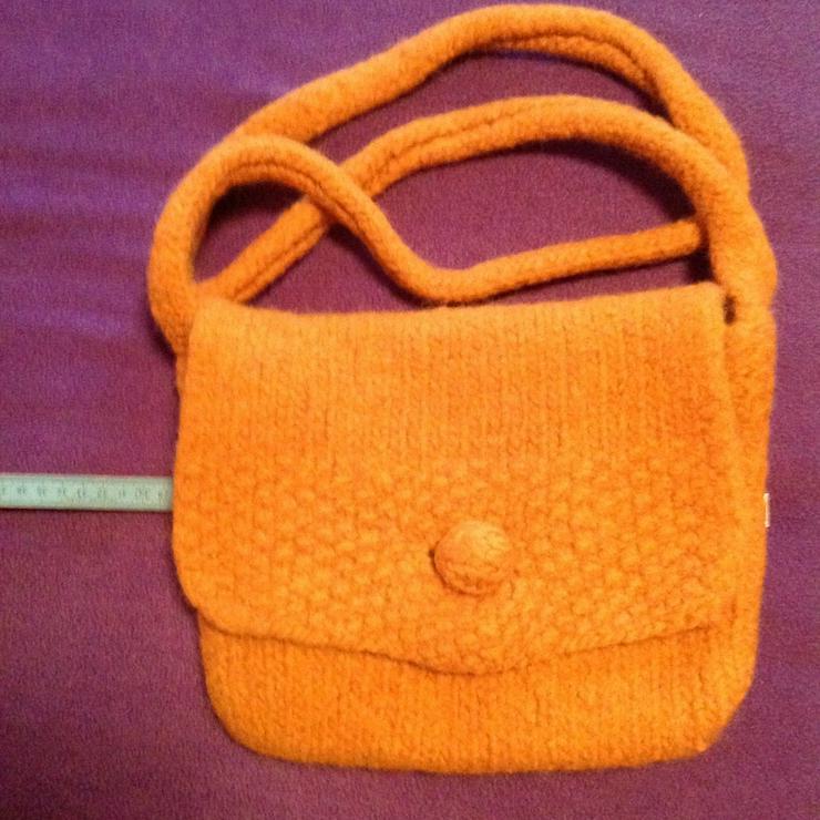 Bild 2: Handtasche aus Filzwolle