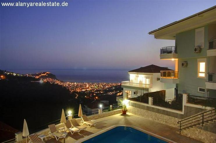 Alanya Crown Resort möbliertes Penthaus mit fantastischem Meerblick - Auslandsimmobilien - Bild 1