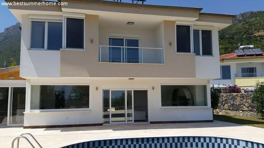 Bild 3: == ALANYA IMMOBILIE == Geräumige Luxusvilla mit privatem Pool in Alanya Oba