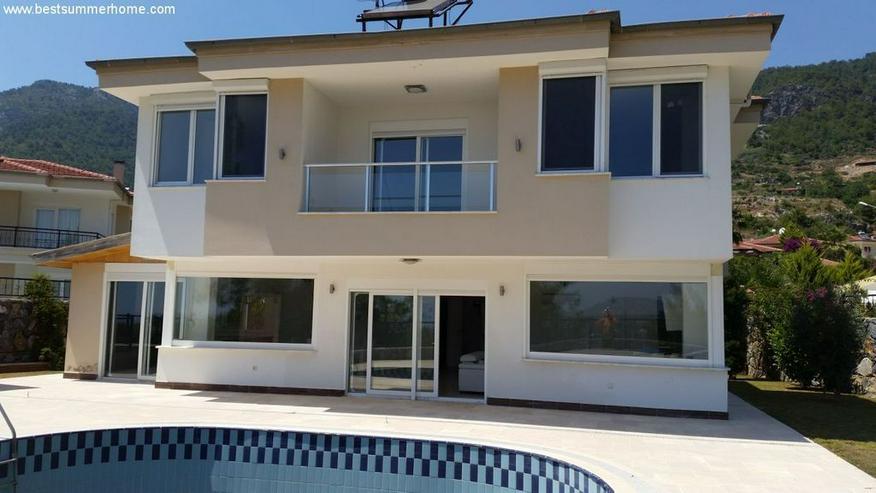 Bild 2: == ALANYA IMMOBILIE == Geräumige Luxusvilla mit privatem Pool in Alanya Oba