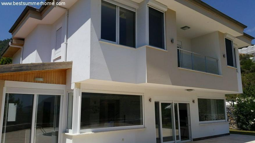 == ALANYA IMMOBILIE == Geräumige Luxusvilla mit privatem Pool in Alanya Oba - Auslandsimmobilien - Bild 1