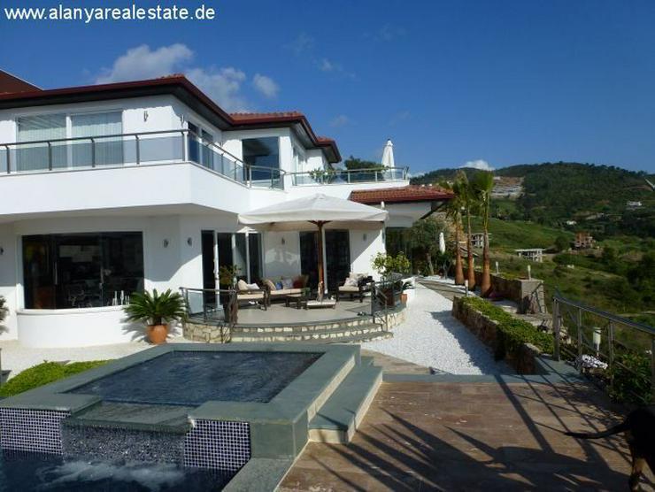 Bild 5: Luxus Villa in Kargicak mit Privatpool und Meerblick
