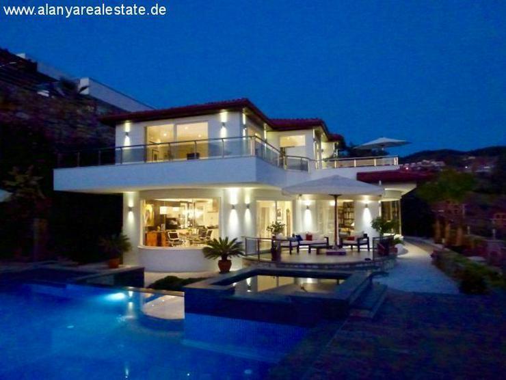 Bild 2: Luxus Villa in Kargicak mit Privatpool und Meerblick