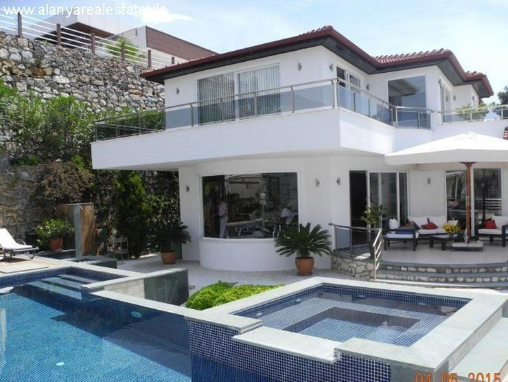 Bild 4: Luxus Villa in Kargicak mit Privatpool und Meerblick