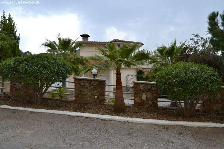 Bild 4: Exclusive Villa mit privatem Pool in sehr gepflegtem Villenpark