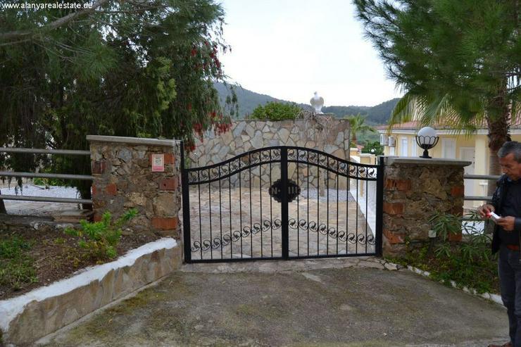 Bild 5: Exclusive Villa mit privatem Pool in sehr gepflegtem Villenpark