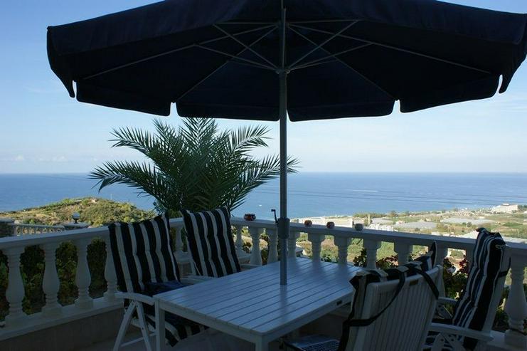 Bild 2: Luxus Villa voll möbliert mit fantastischem Meerblick und Pool