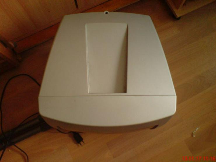 Bild 4: DVD Player mit Bildschirm