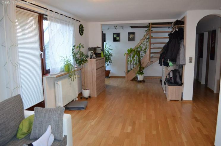 Modernisierte 4-Zimmer-Maisonette-Wohnung mit Balkon und Dachterrasse - Wohnung kaufen - Bild 1
