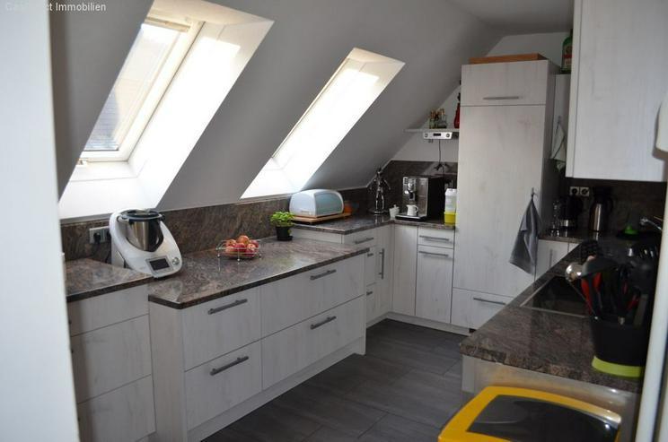 Bild 5: Modernisierte 4-Zimmer-Maisonette-Wohnung mit Balkon und Dachterrasse