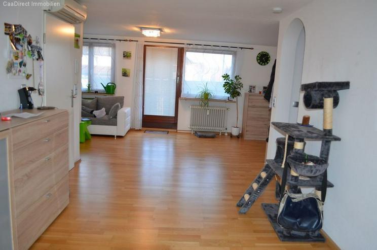 Bild 2: Modernisierte 4-Zimmer-Maisonette-Wohnung mit Balkon und Dachterrasse