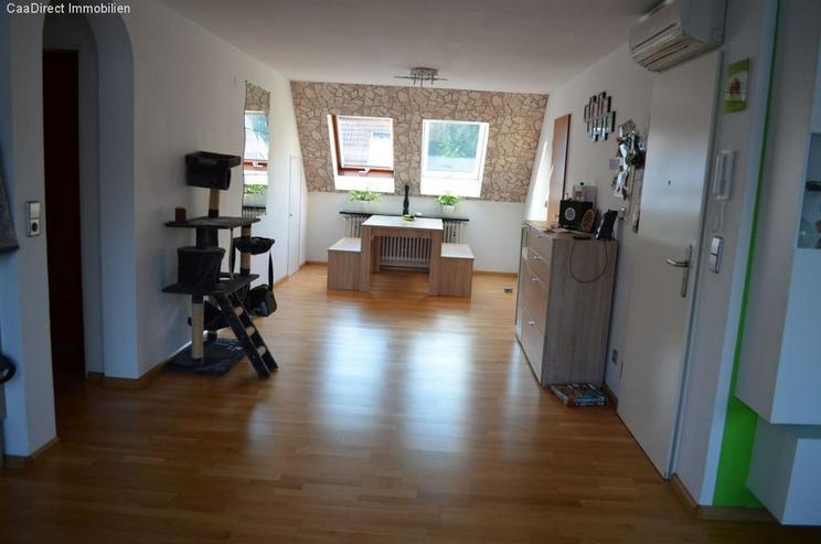 Bild 3: Modernisierte 4-Zimmer-Maisonette-Wohnung mit Balkon und Dachterrasse