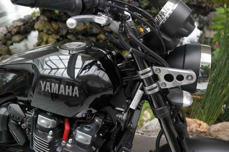 Bild 2: YAMAHA XJR 1300