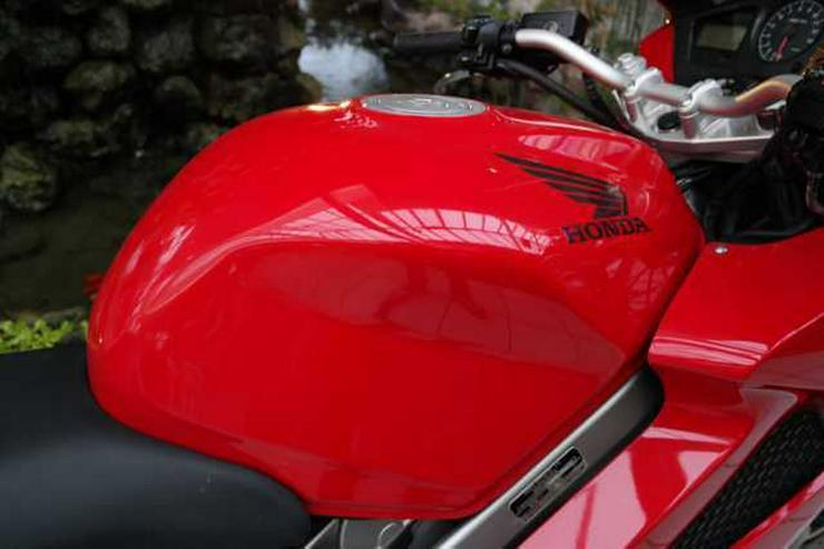 Bild 5: HONDA VFR 800 VTEC ABS RC46
