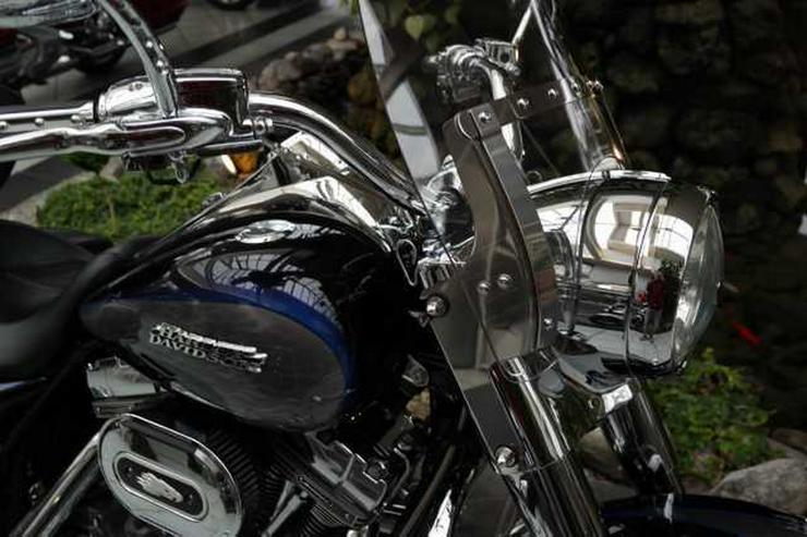 Bild 2: HARLEY DAVIDSON FLHRSE 4 Road King CVO Screamin Eagle 110 ABS