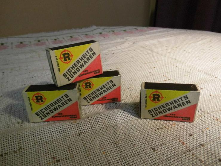 Bild 2: Vier Schachteln Streichhölzer aus der ehemalig