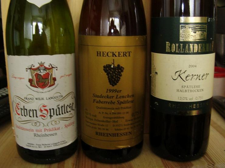 Bild 2: Verkaufe sechs Weinflaschen von 1999-2004