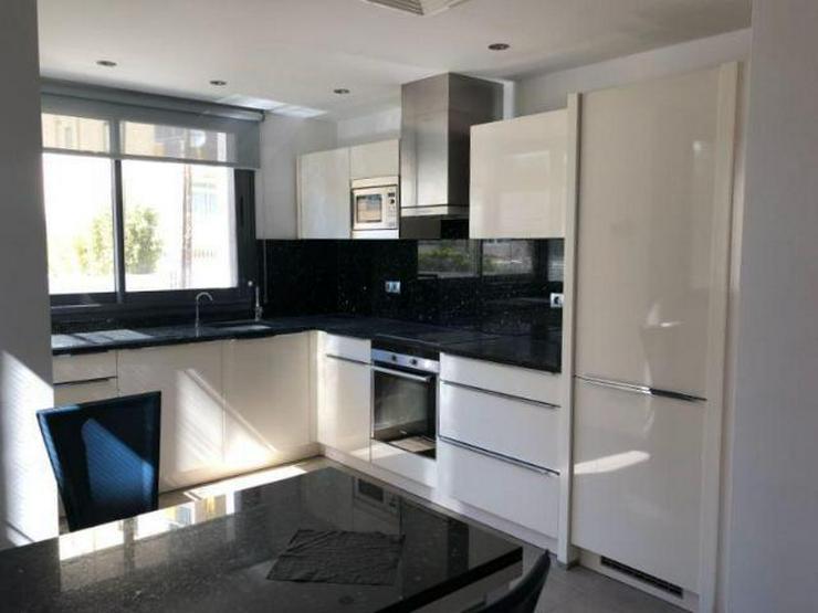 Bild 6: KAUF: Penthouse-Apartment mit Meer- und Hafenblick