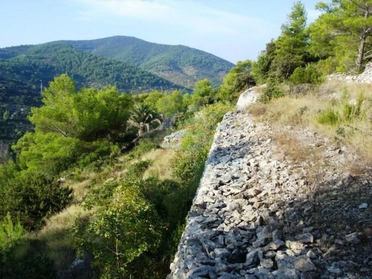 Bild 2: Kroatische Adria , Insel Vis - Wunderschönes Baugrundstück mit Anschluss zur Straße und...