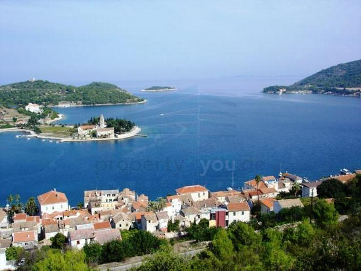 Kroatische Adria , Insel Vis - Wunderschönes Baugrundstück mit Anschluss zur Straße und... - Grundstück kaufen - Bild 1