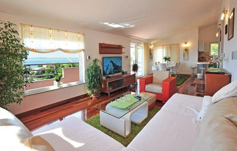 Bild 4: Wunderschönes Ferienhaus mit Pool, 3 Wohnungen, 9 Schlafzimmern und 6 Bäder in Split Kro...