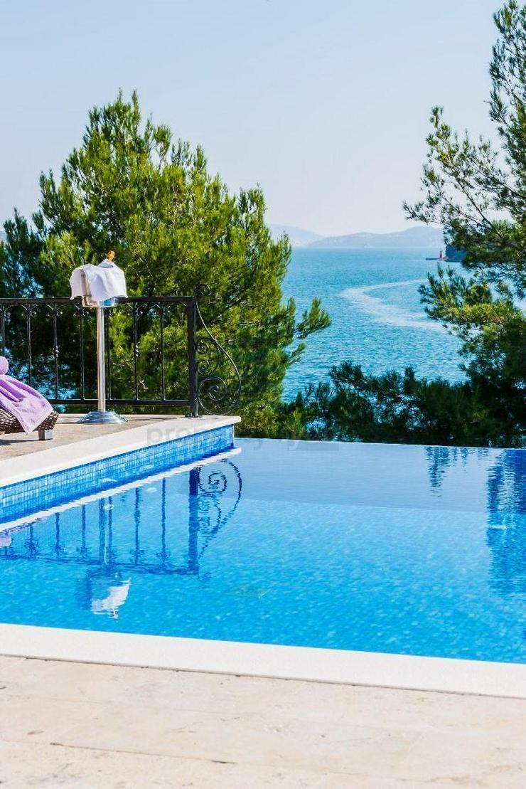 Bild 3: Kroatien - Haus mit Schwimmbad und Traum Meerblick in Marina bei Trogir