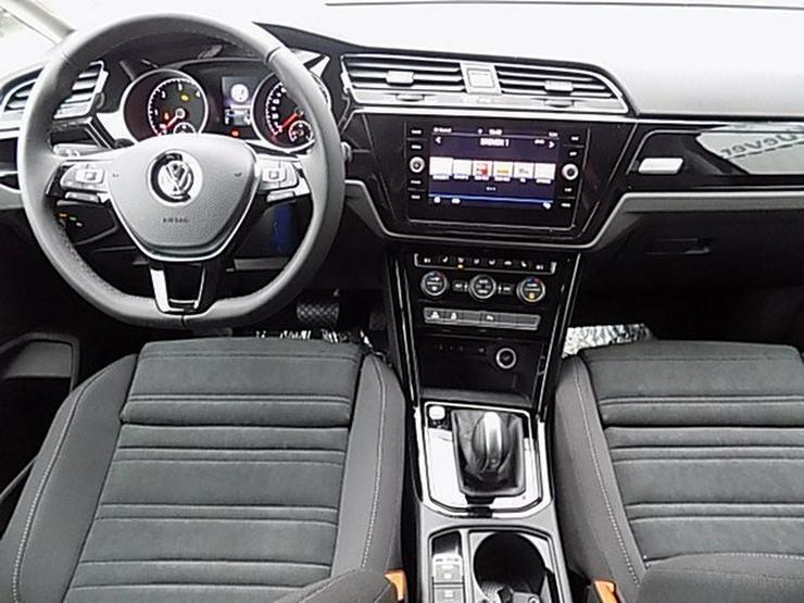 Bild 5: VW Touran 2,0 TDI Highline DSG Navi ACC-210 7-Sitze