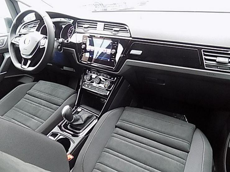 Bild 6: VW Touran 2,0 TDI Highline DSG Navi ACC-210 7-Sitze