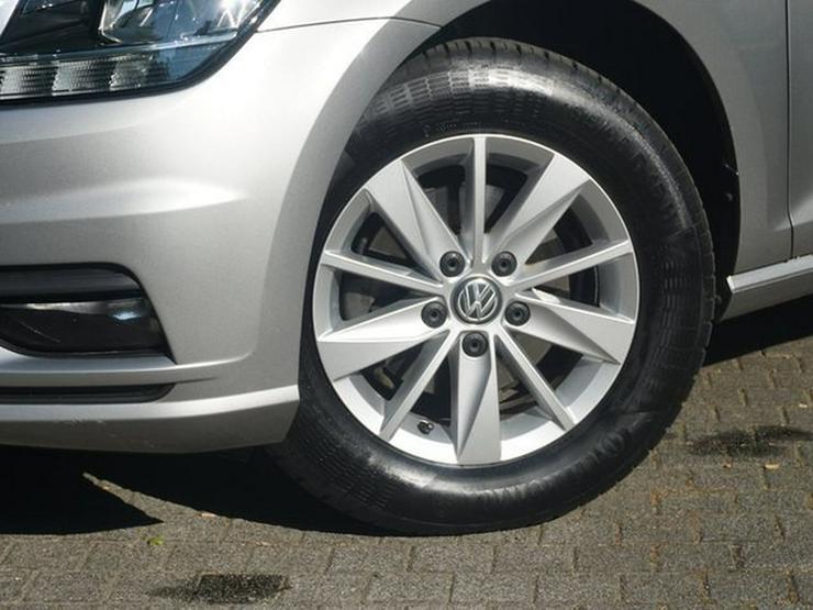 Bild 5: VW Golf VII 1.0 TSI S&S 110 PS App Connect Klimaaut. Müd.erk. ALU16 Temp BC BT NSW