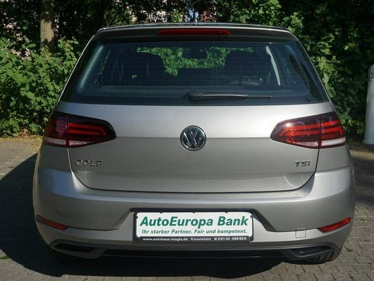 Bild 6: VW Golf VII 1.0 TSI S&S 110 PS App Connect Klimaaut. Müd.erk. ALU16 Temp BC BT NSW