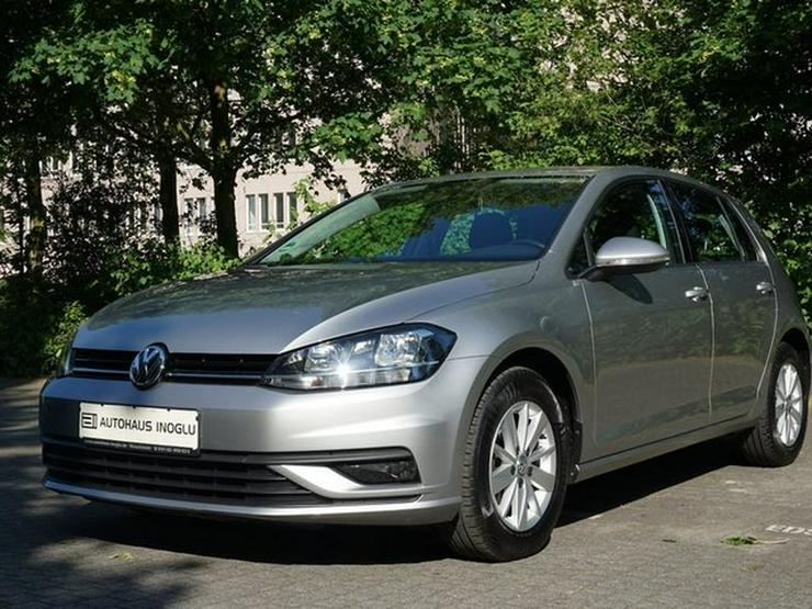 Bild 4: VW Golf VII 1.0 TSI S&S 110 PS App Connect Klimaaut. Müd.erk. ALU16 Temp BC BT NSW