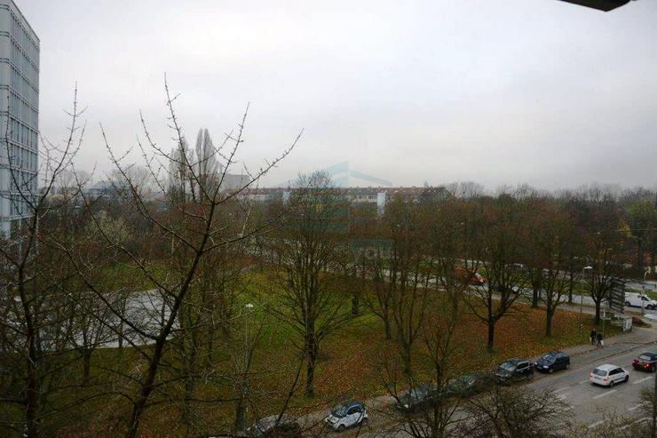 Bild 11: Sehr schönes möbliertes 2-Zimmer Wohnung / in München-Moosach