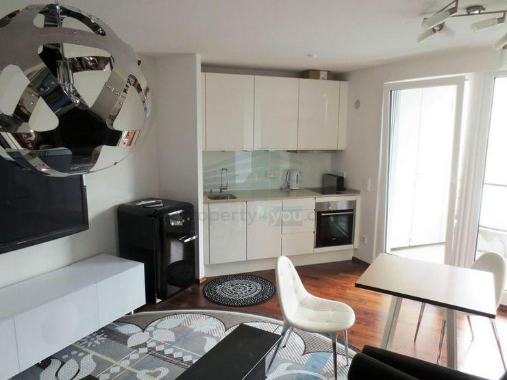 Exklusiv eingerichtetes Lifestyle-Apartment mit Terrasse und Stellplatz in München - Pasi...