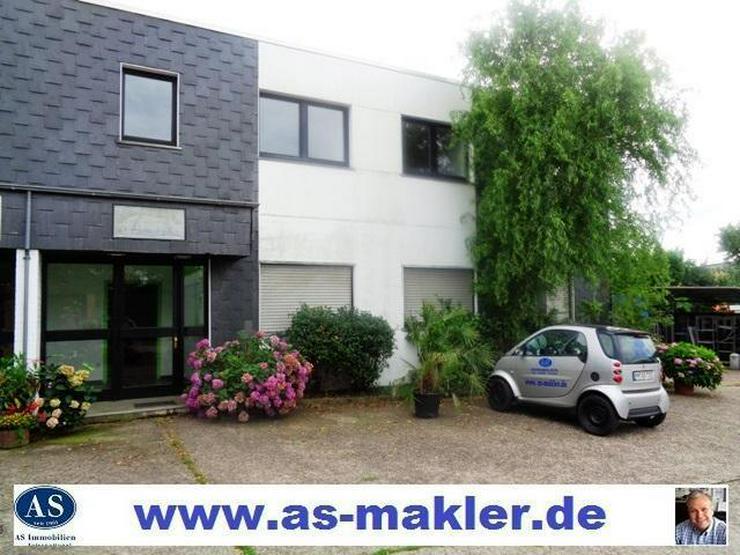 Vieles möglich., ca. 230 qm Bürohaus mit eigene Eingang und Parkplätze zu vermieten!!!