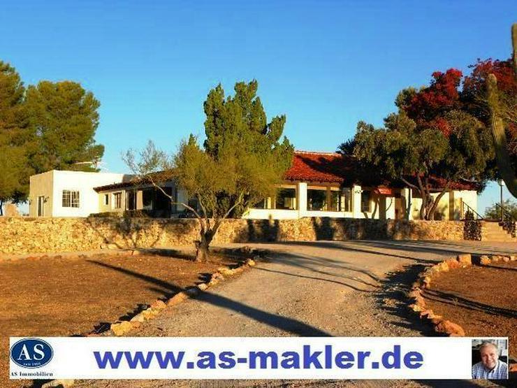 Sonderpreis, Landhaus (Ranch) auf 80.000 m² Land (Bauland) zu verkaufen!