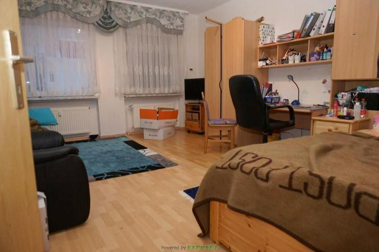 Bild 4: Zweifamilienhaus mit viel Platz für Ihre Familie