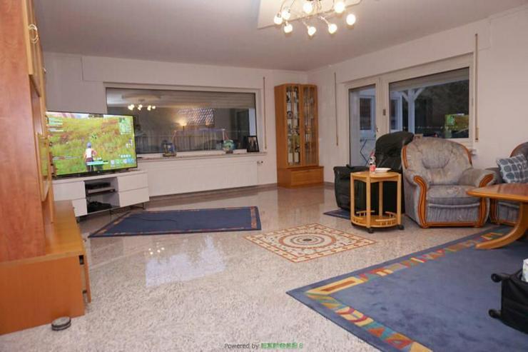 Zweifamilienhaus mit viel Platz für Ihre Familie - Haus kaufen - Bild 1