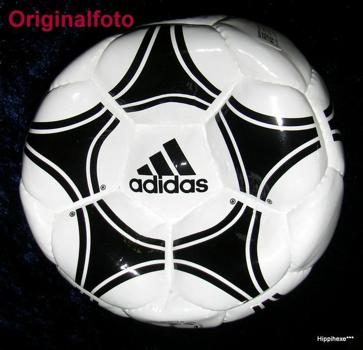 Bild 3: Fußball mit Signatur von Thomas Müller