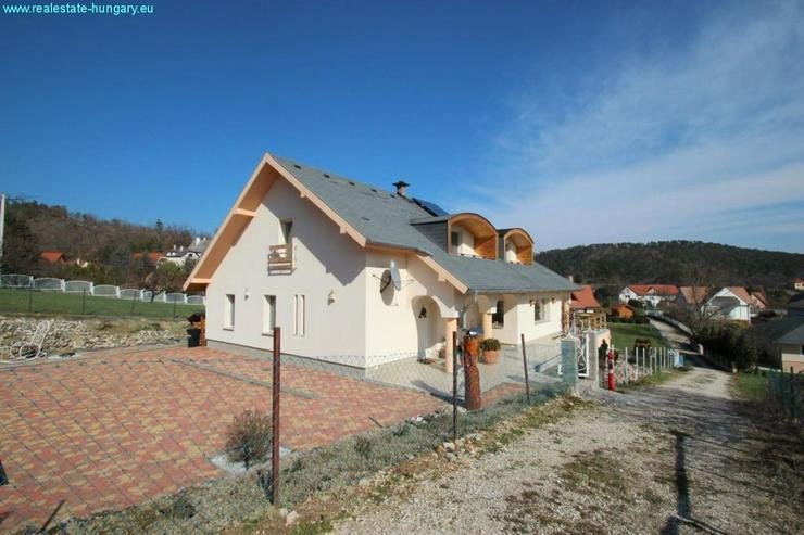 Bild 2: Villa mit Blick auf den Balaton