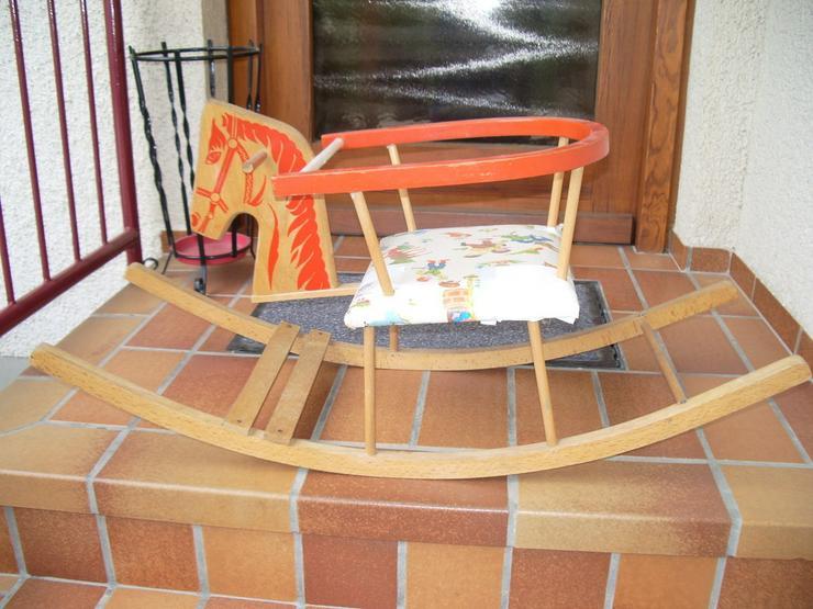 Kinder-Holzschaukelstuhl-gut erhalten-