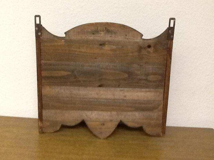 Bild 2: Holzregal-bemalt-gut erhalten-