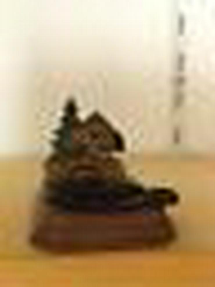 Holz-Aschenbecher-geschnitzt-ungebraucht