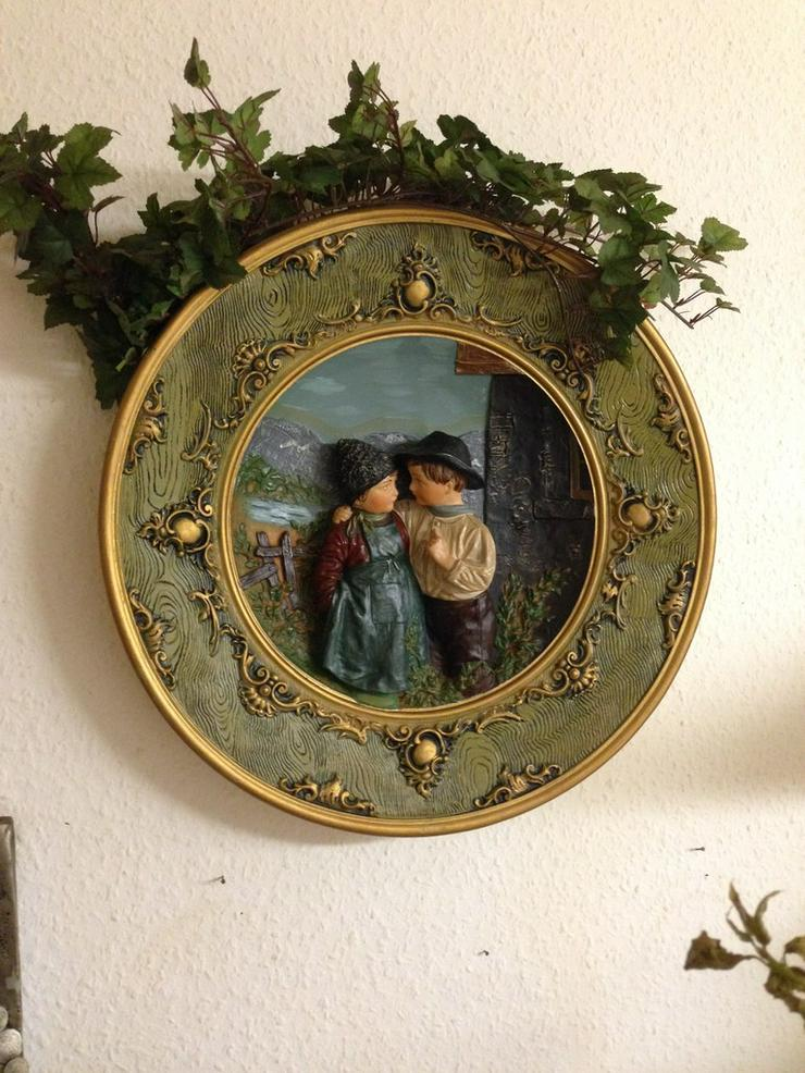 Wachs-Wandteller- Das Liebespaar- 42 cm -