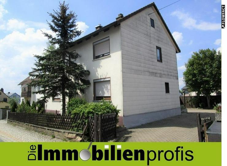 3 km von Bad Steben: Einfamilienhaus mit 2 Garagen im Frankenwald - Bild 1