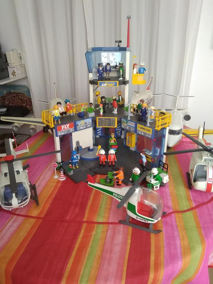 GROSSER FLUGAFEN -PLAYMOBIL+3 FLUGZEUGE+3HELIS - Bausteine & Kästen (Holz, Lego usw.) - Bild 1