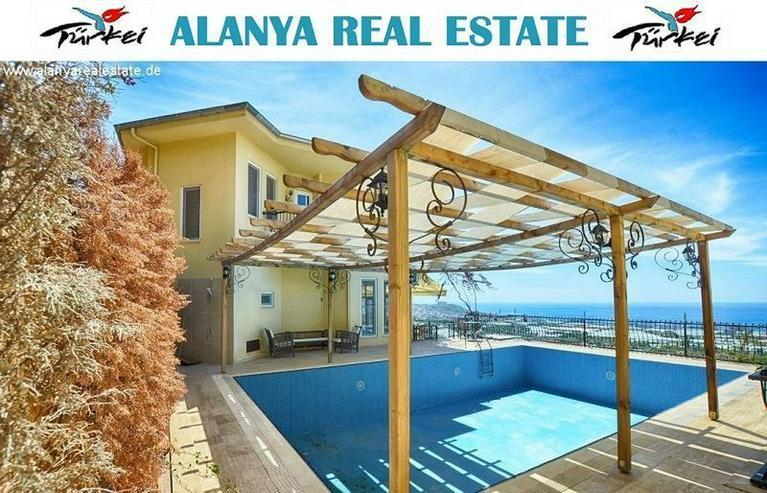 REDUZIERT ! Geräumige voll möblierte 8 Zimmer Luxus Villa mit privat Pool und Meerblick - Auslandsimmobilien - Bild 1