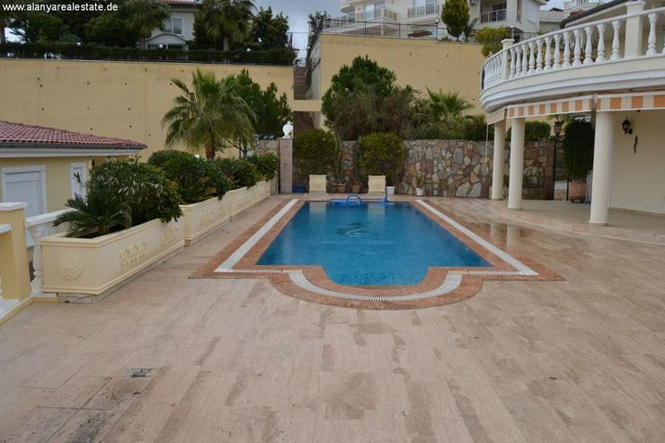 Bild 3: Exclusive Villa mit privatem Pool in sehr gepflegtem Villenpark
