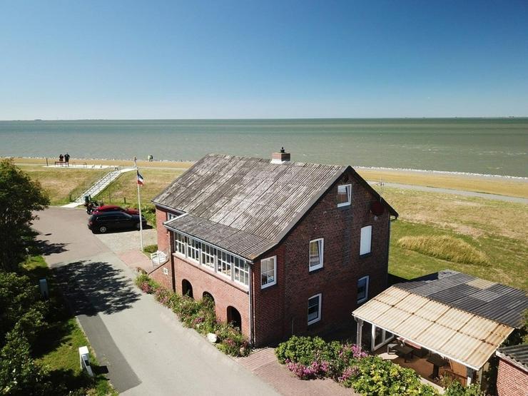 Bild 4: Einzigartiges Ferienhaus direkt auf dem Nordseedeich mit Meerblick