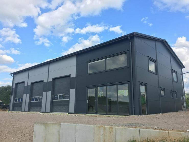 Stahlhalle Werkstatthalle Gewerbehalle Mehrzweckhalle mit Beurobereich - Büro & Gewerbeflächen kaufen - Bild 1
